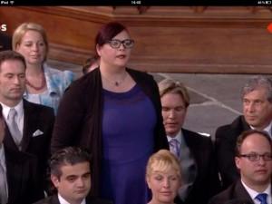Astrid spreekt in de Nieuwe Kerk de Belofte uit