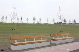 Nieuwe bankjes in het AMG. Schmidtpark