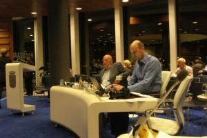 Lokale journaille aan de slag tijdens raadsvergadering over begroting 2014
