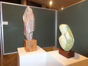 Expositie in het Gemeentehuis. Werk van Ben Hulst uit Rodenrijs