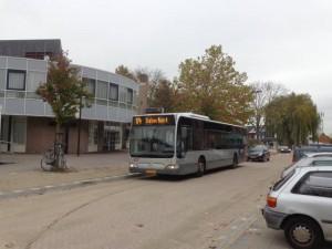Bus 174 is eindelijk terug in de Kerkstraat van Bergschenhoek