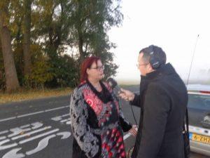 Buurtbewoonster Astrid Oosenbrug bij RTV Rijnmond over de verloren bushalte Bonfut